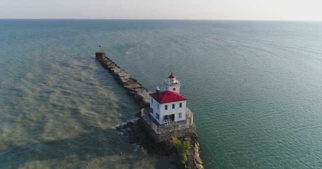 lighthouse-2731685_1920