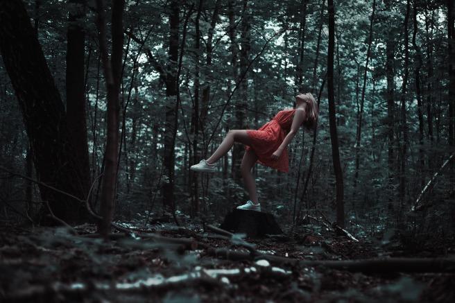 levitation-1760046_1920